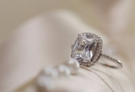 Top cash offers from experienced diamond and jewelry buyer for Presidential Meadows Manor